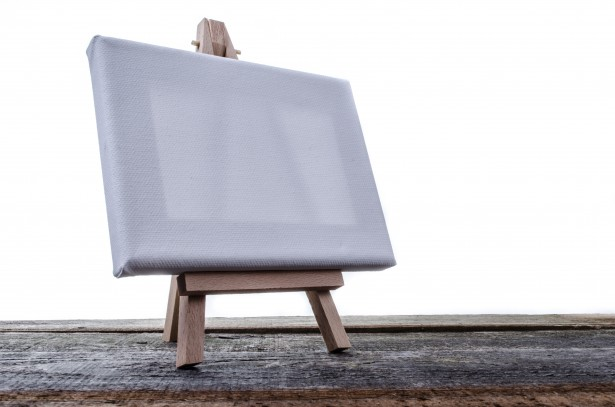 small-easel-with-a-blank-canvas-1385377654QWM